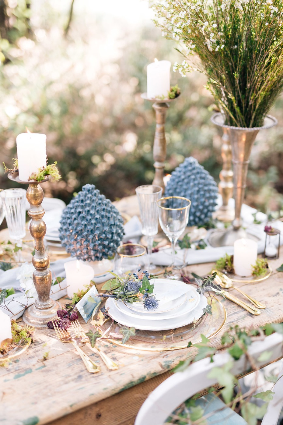 blue and gold wedding table