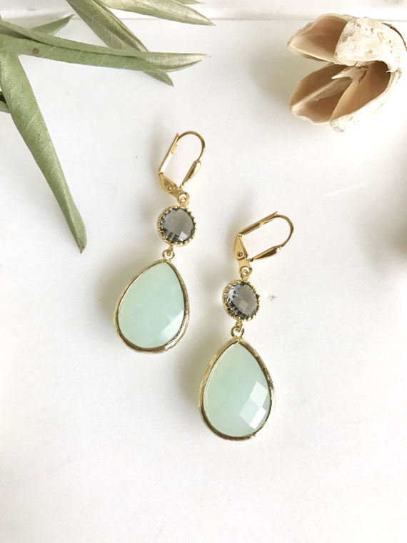 Cloudy Mint and Charcoal Grey Dangle Earrings in Gold. Bridesmaid Earrings. Dangle Earrings. Mint Drop Earrings. Wedding Jewelry. Bridal