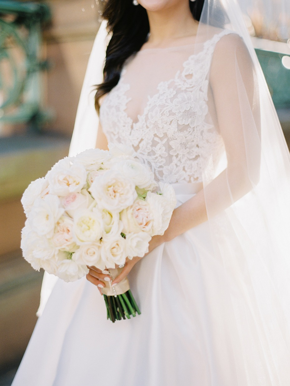 all white wedding bouquet