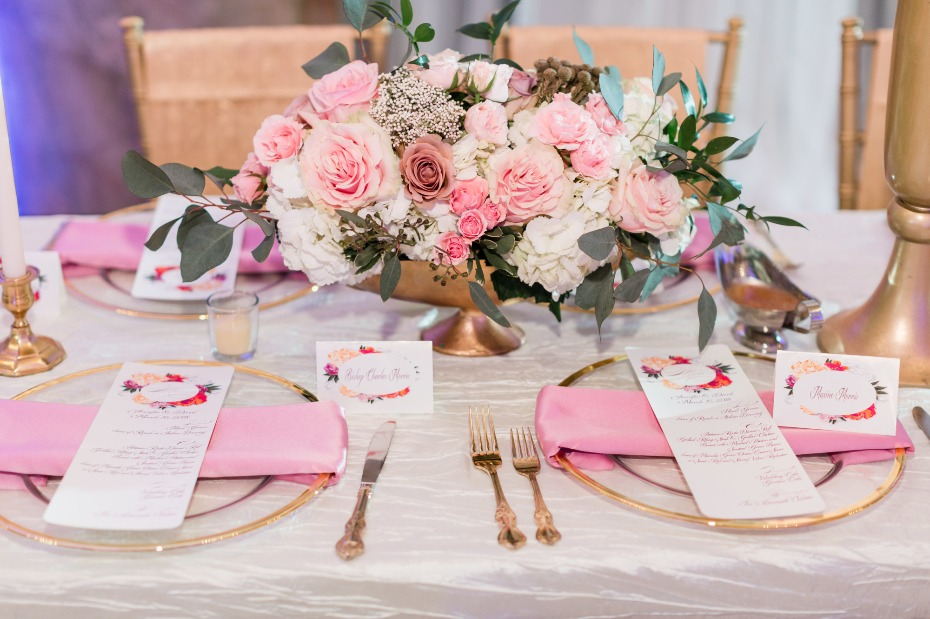 pink and gold table decor