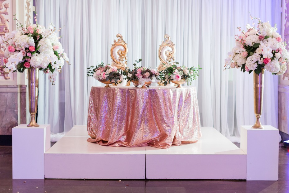 Sparkly sweetheart table with florals
