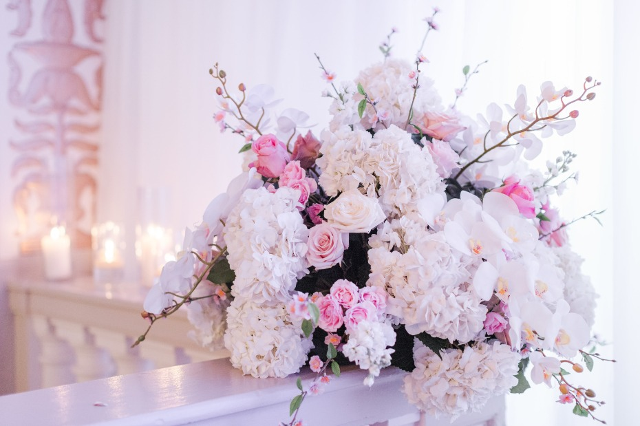 Gorgeous ceremony florals