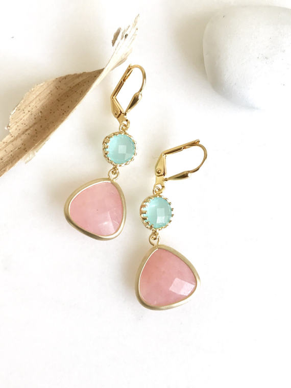 Coral Pink and Aqua Dangle Earrings in Gold. Bridesmaids Earrings. Drop Earrings. Coral Aqua Wedding Jewelry.