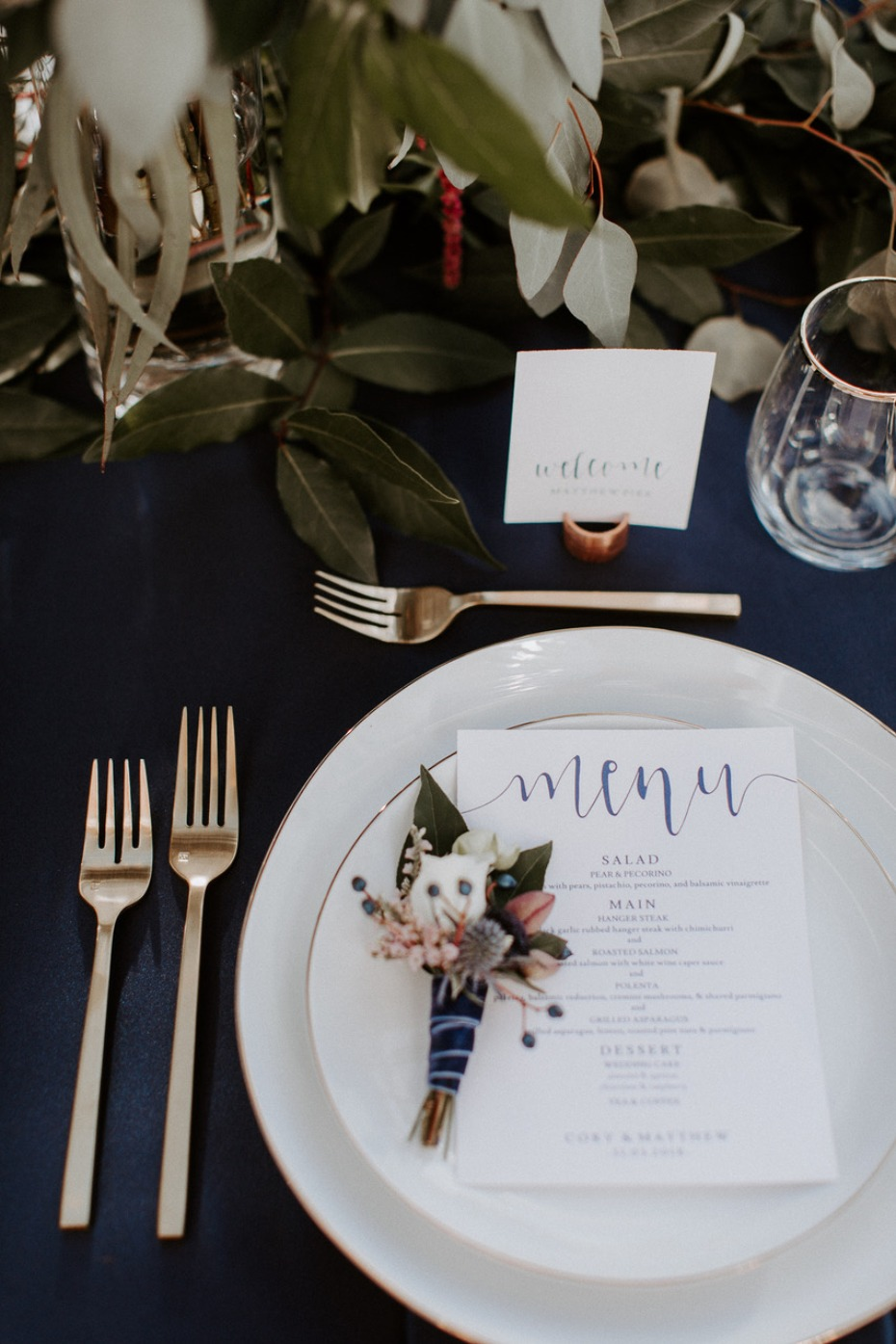 Elegant place setting at Chalet View Lodge