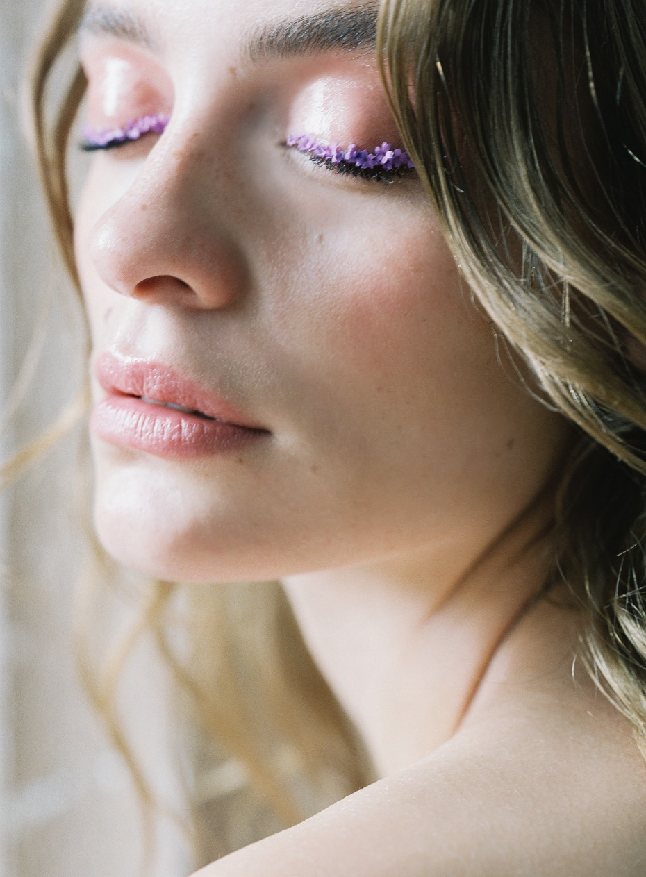 floral eyelids for your spring bridal style