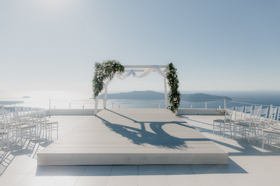 Ocean view ceremony in Greece