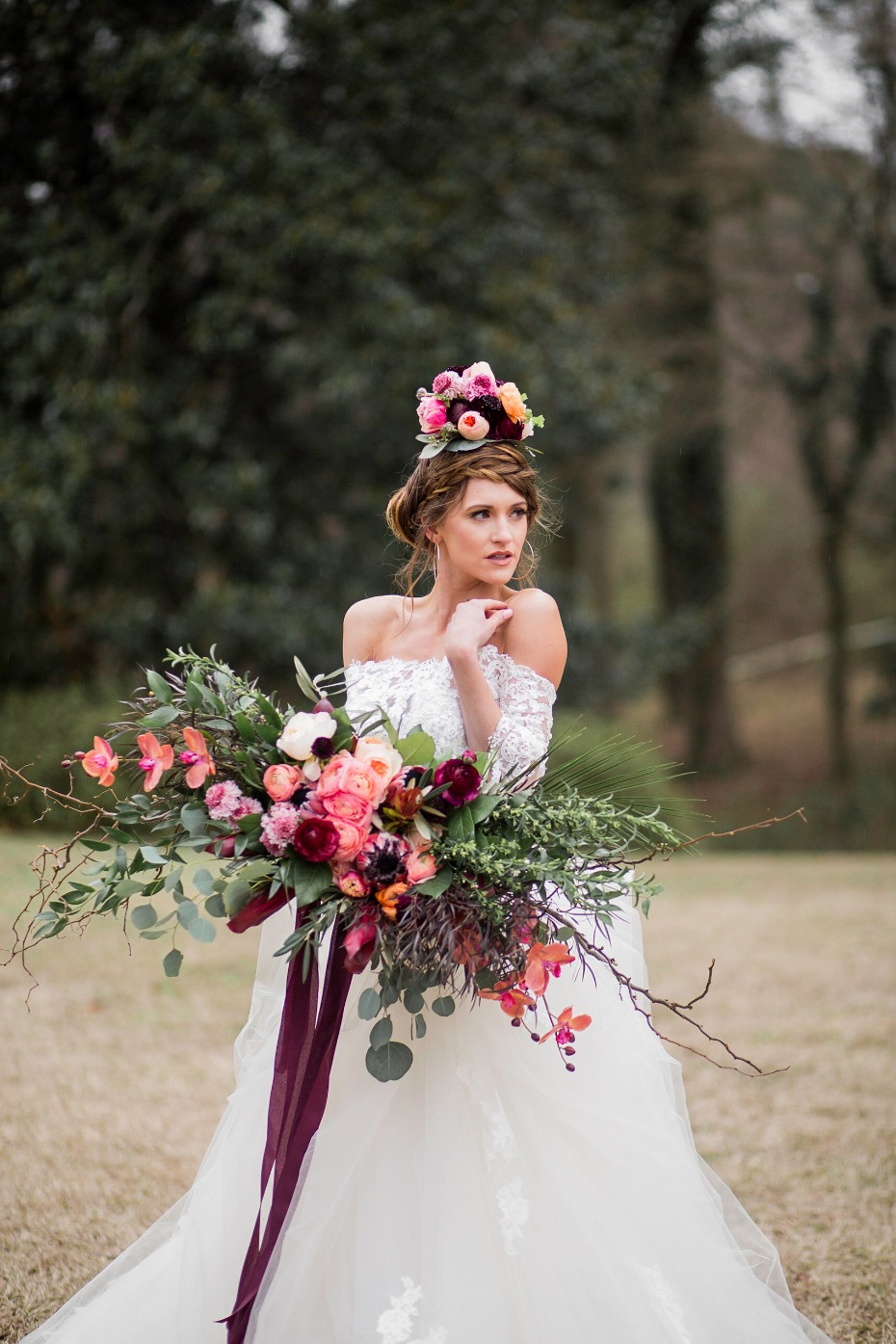 Gorgeous colorful bouquet and hairpiece