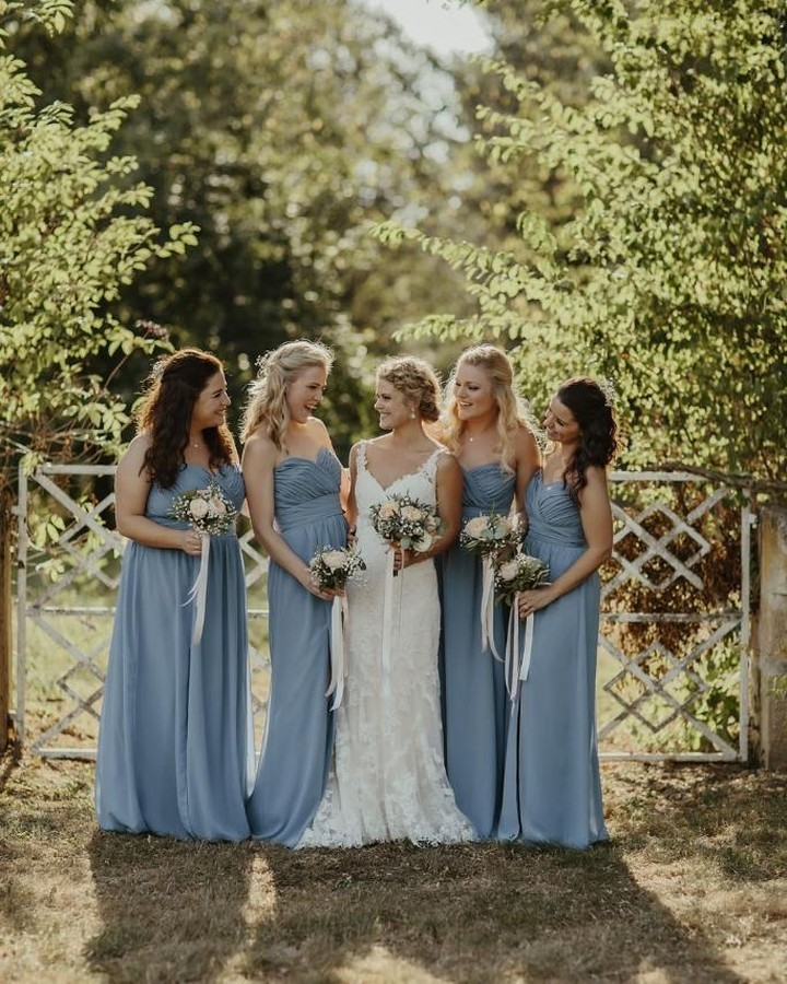 Sun with a chance of clouds 🌞⛅ Bridesmaids are wearing style 2959 in Cloudy ☁️ 📸