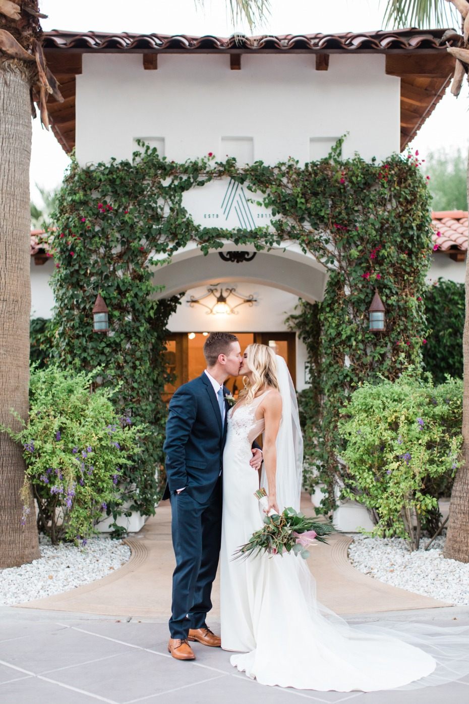 Tropical wedding Alcazar Palm Springs