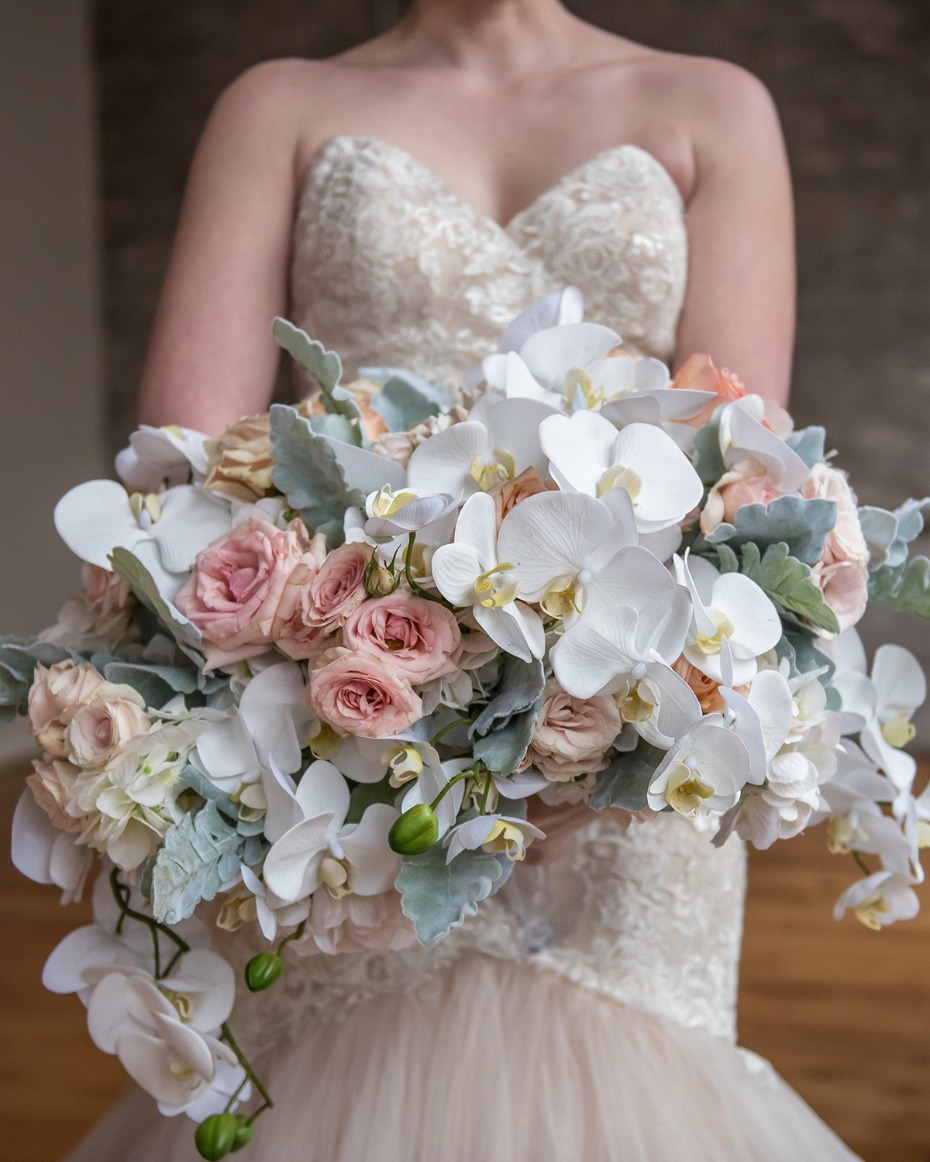 pastel pink and white wedding bouquet