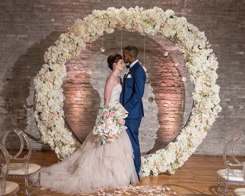 When And How To Use Silk Flowers In Your Wedding Decor
