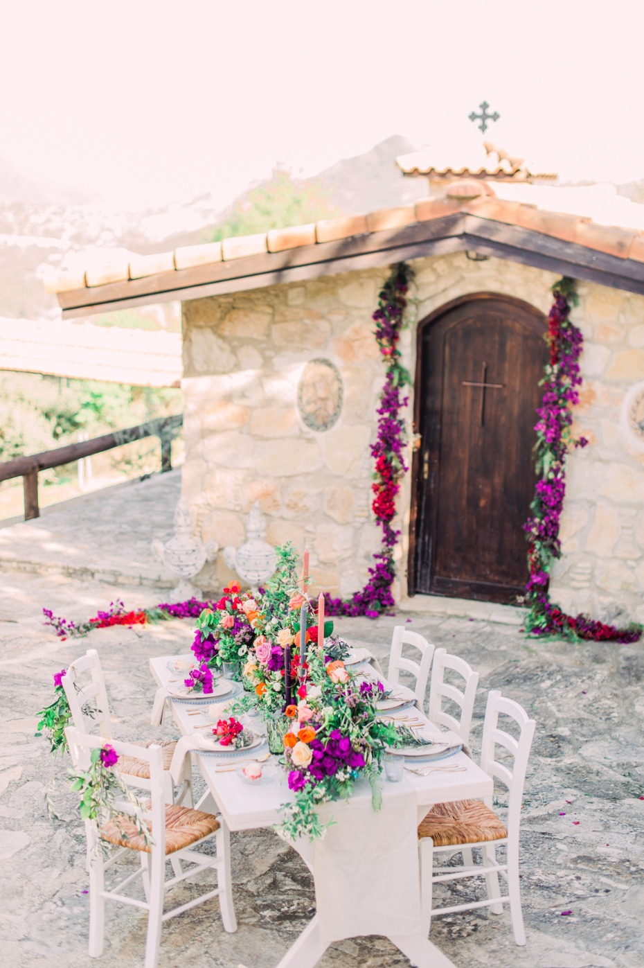 Bright bohemian wedding decor