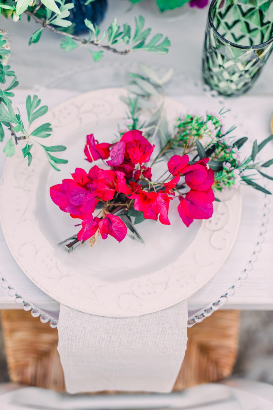 Floral and greenery placesetting
