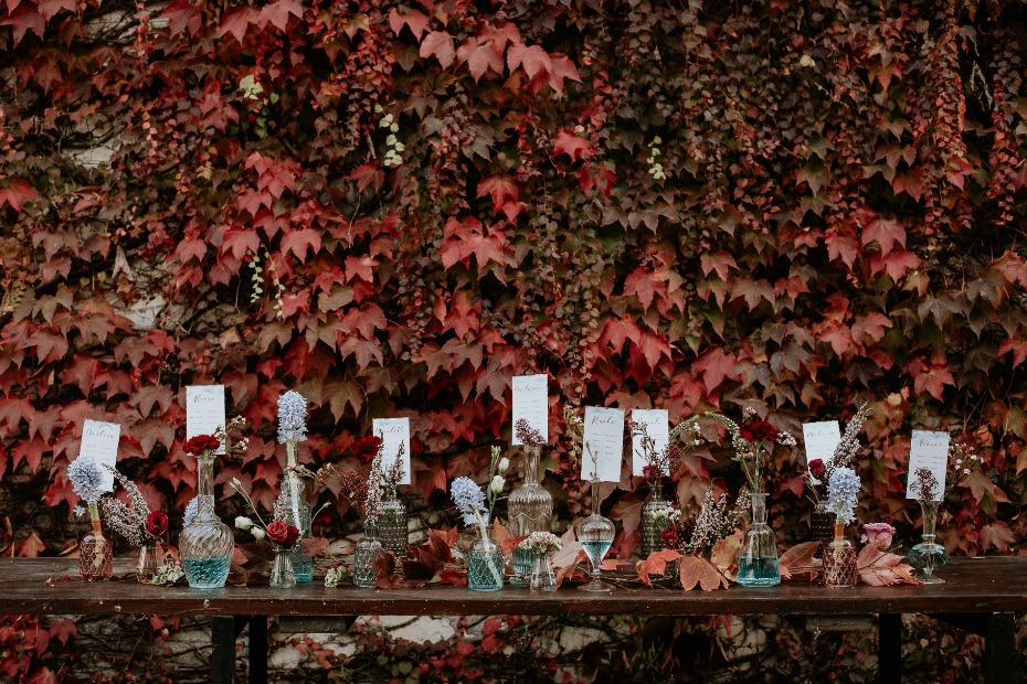 fall wedding seating assignment
