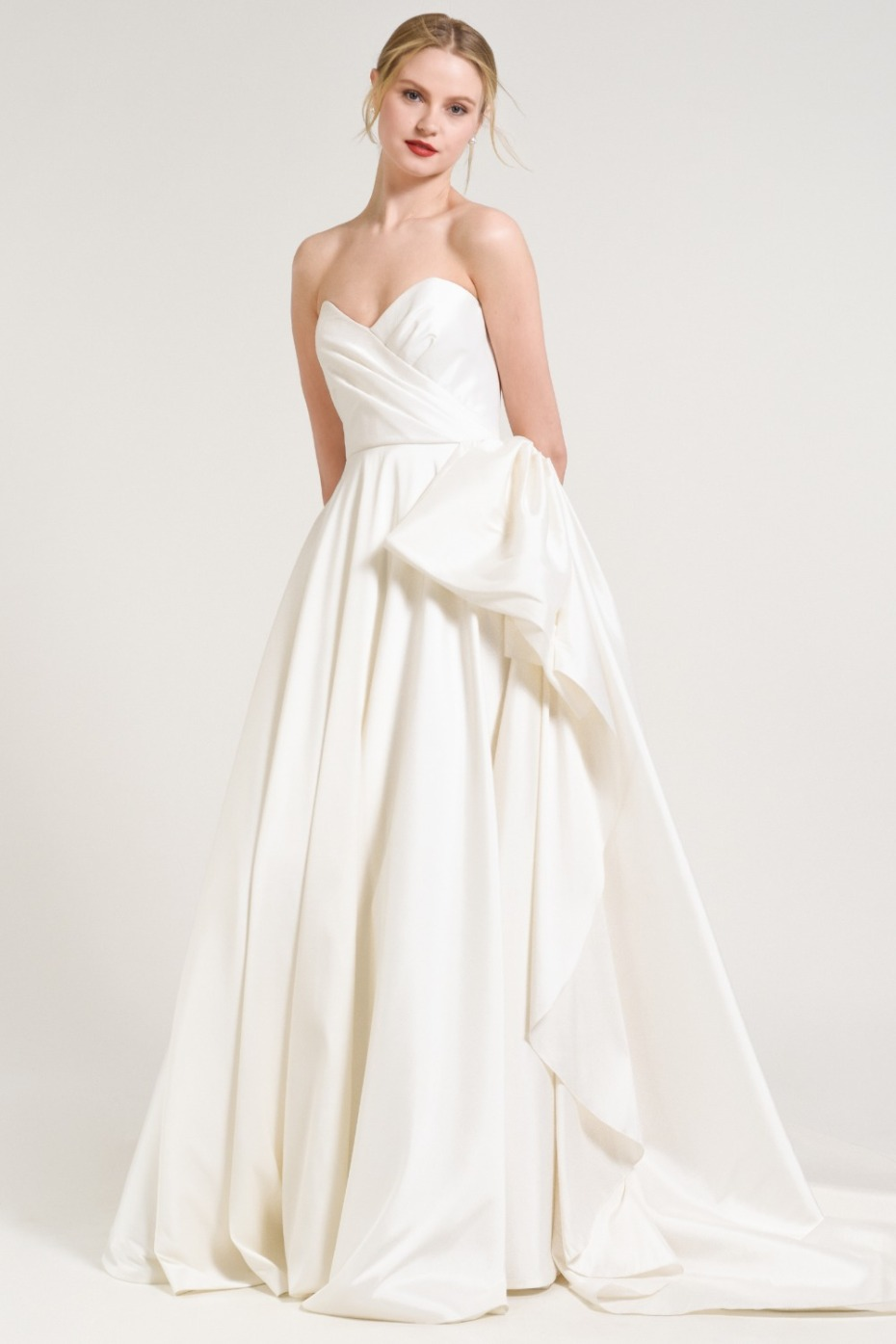 Things to Know Before Buying a Wedding Dress
