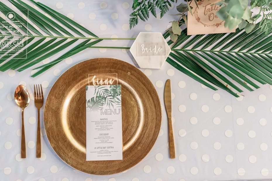 Tropical modern table decor