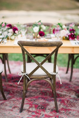 How To Have A Simple And Elegant Spring Wedding