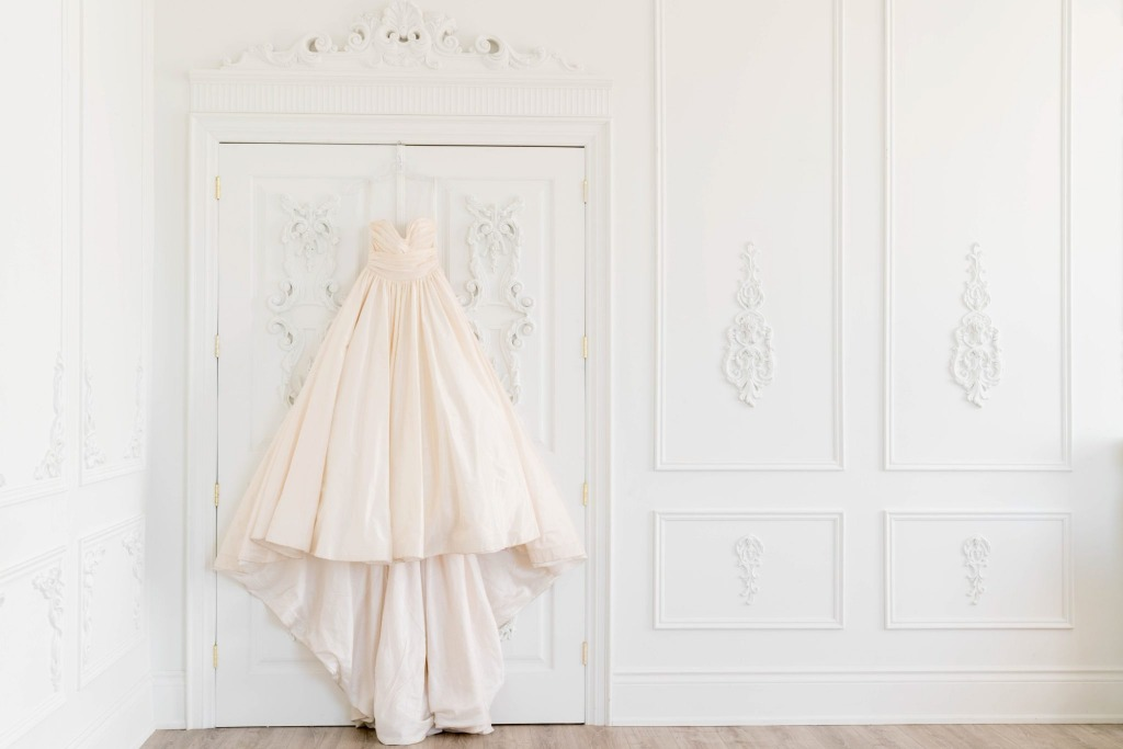 Inspiration Image from Lea-Ann Belter Bridal