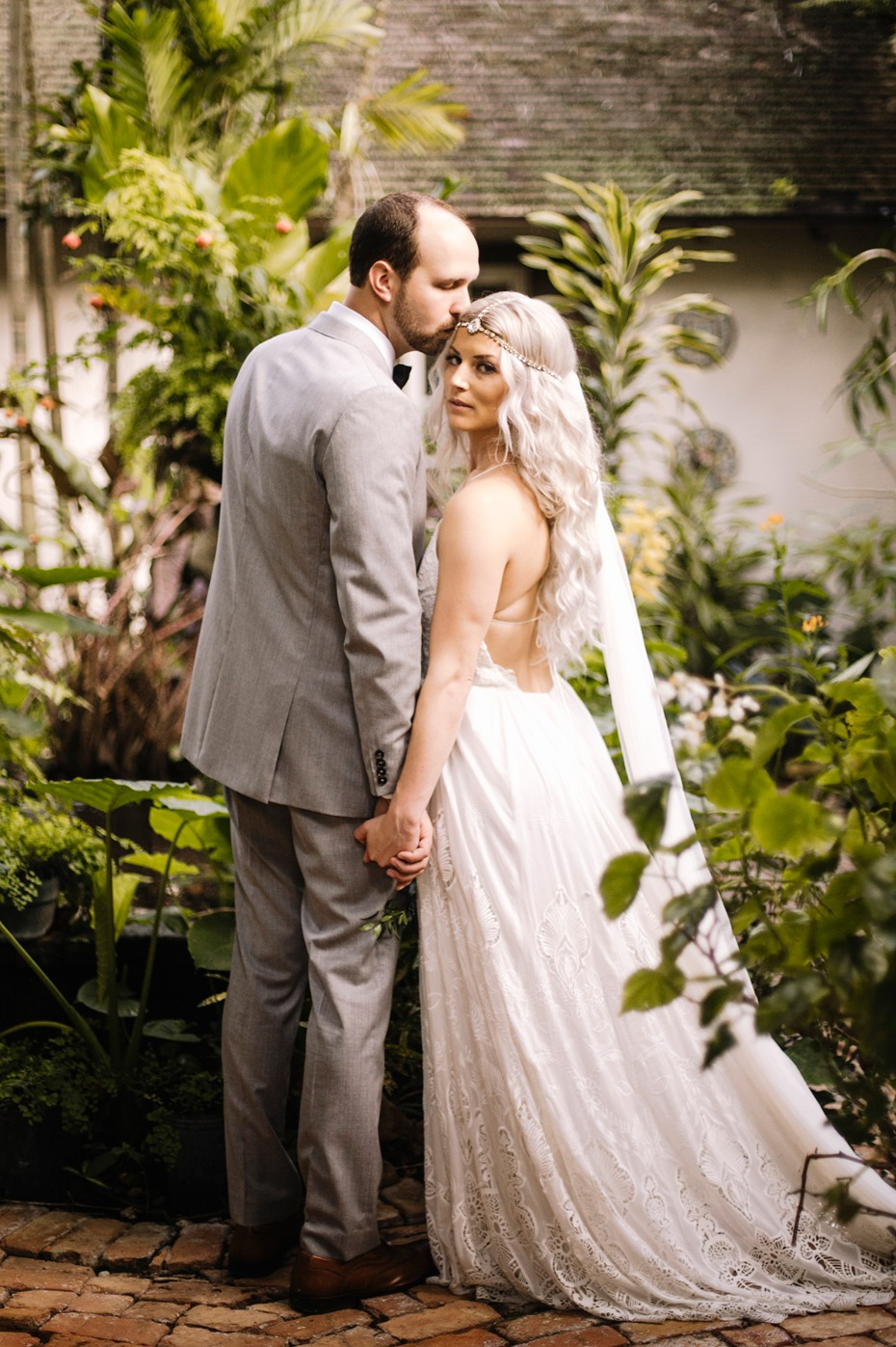we seriously want to steal this brides amazing style