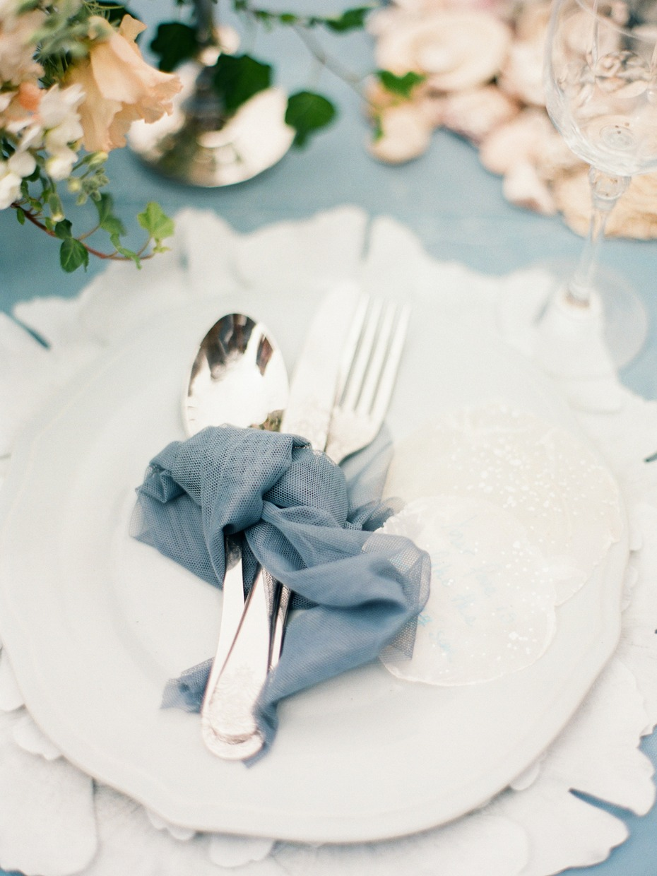 elegant beach wedding table decor