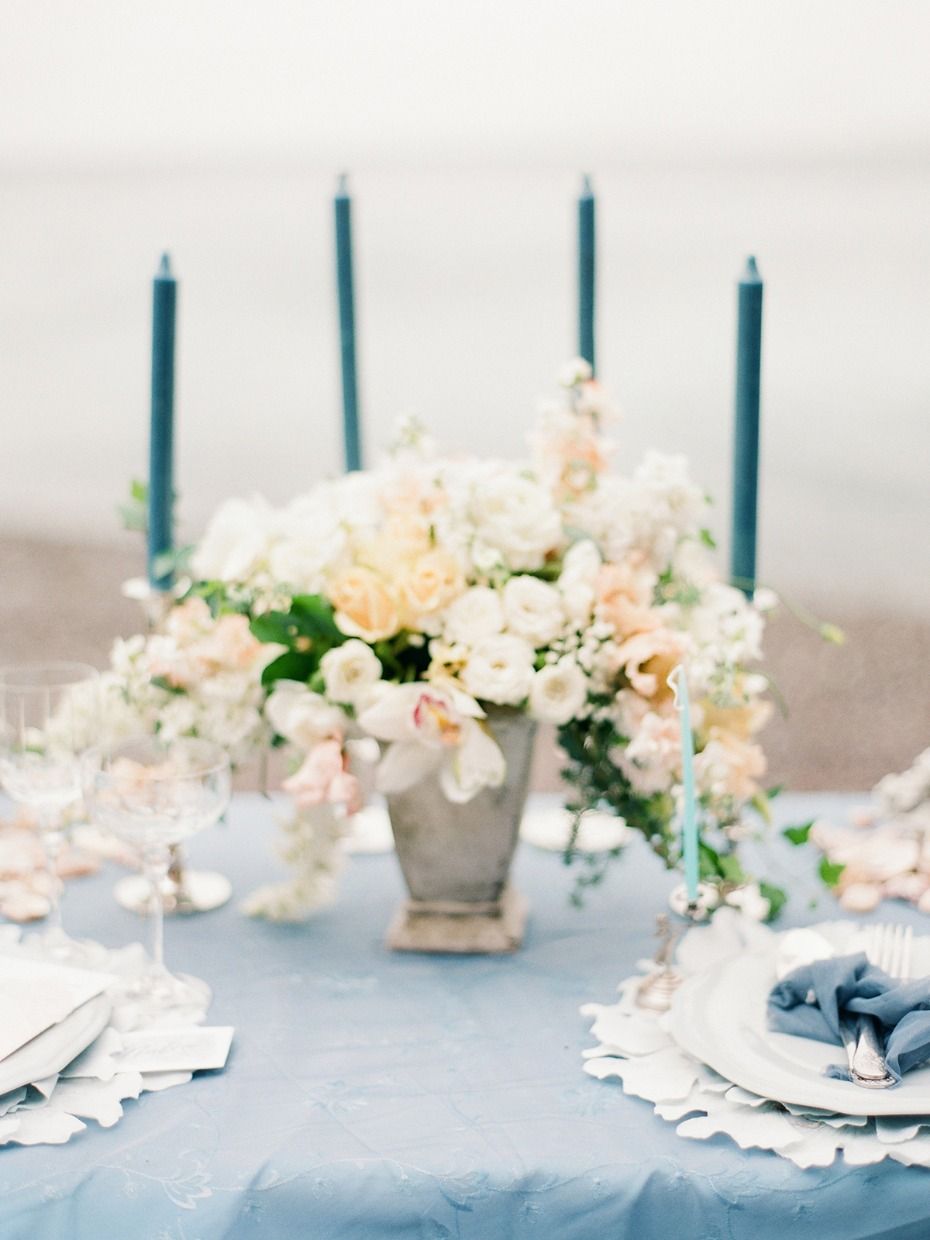 blue and peach beach wedding table