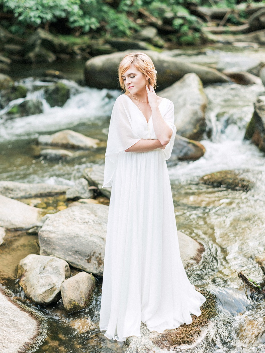 sweet and simple bridal style