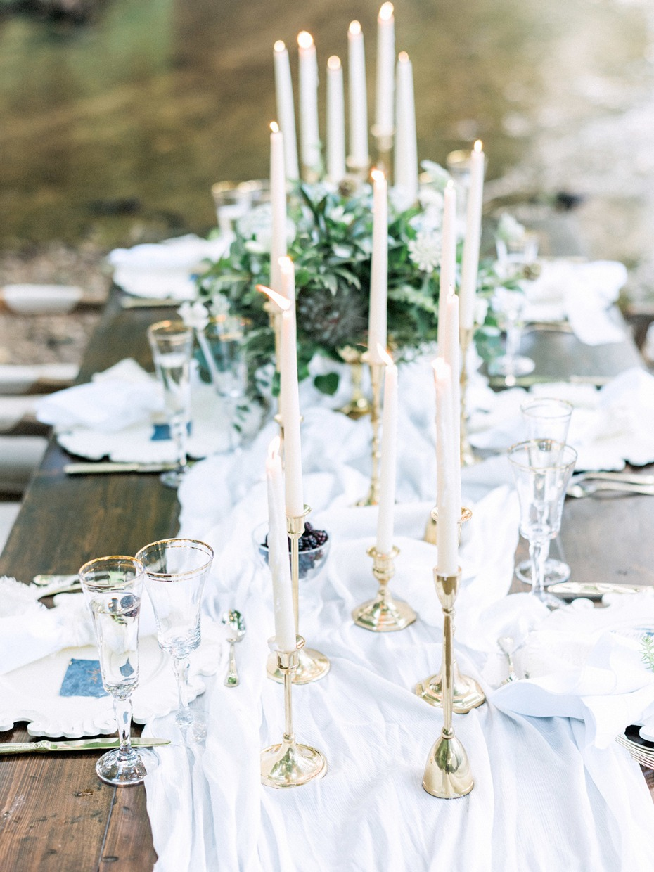 romantic candlestick wedding table centerpiece idea