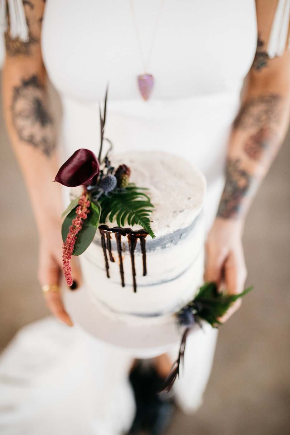 Drip naked cake for two