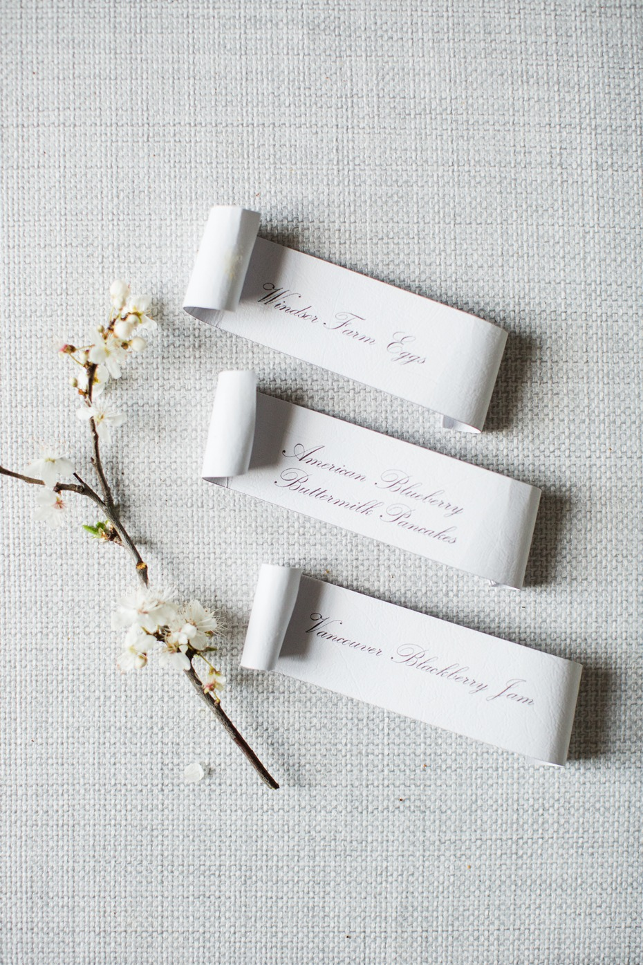 scroll place cards