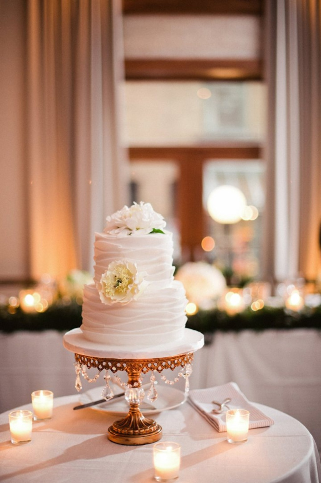 Opulent Treasures Cake Stands will spotlight your sweet celebration! We offer a gorgeous selection of cake stands, dessert stands,