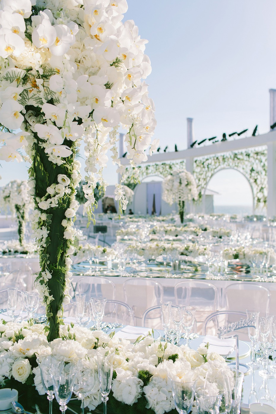 glamorous all white wedding decor