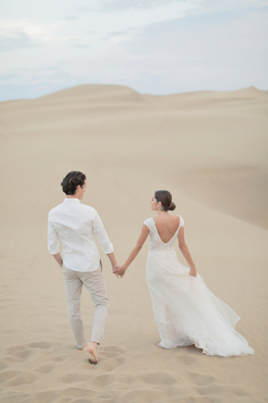 Desert wedding and honeymoon in Spain