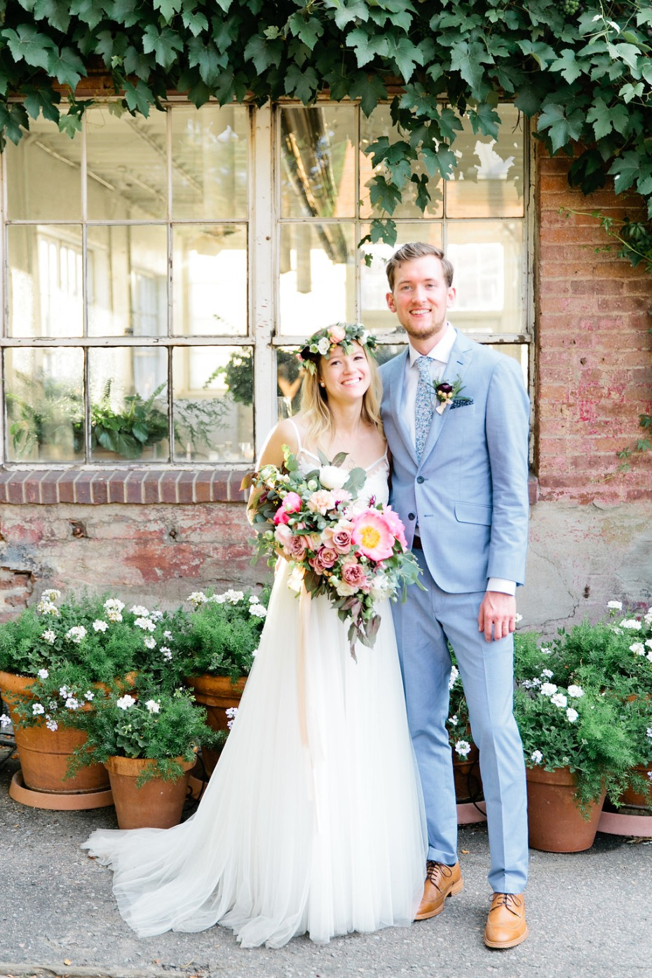cute summertime bride and groom style