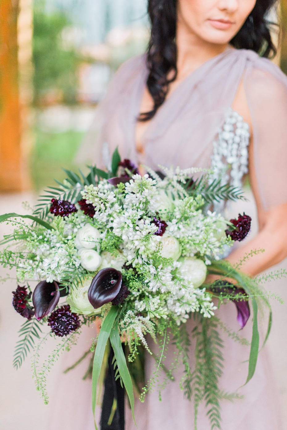 Modern moody wedding bouquet