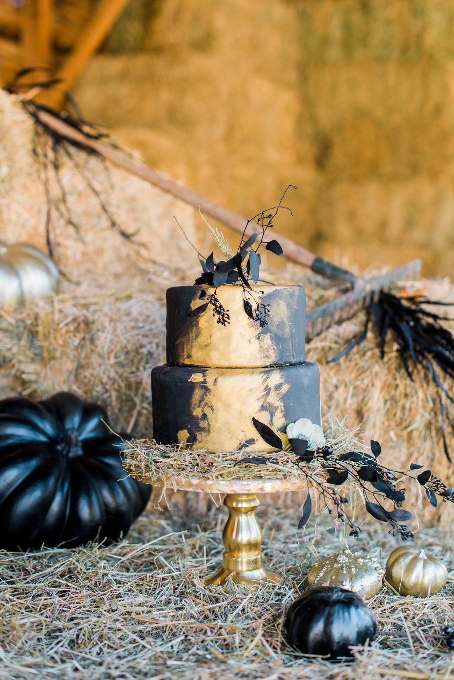 Moody black and gold wedding cake