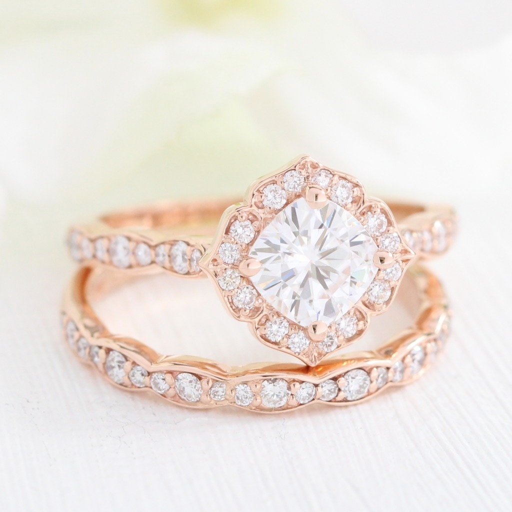 See more mini vintage floral bridal sets like this delicate moissanite in rose gold by visiting La More Design!