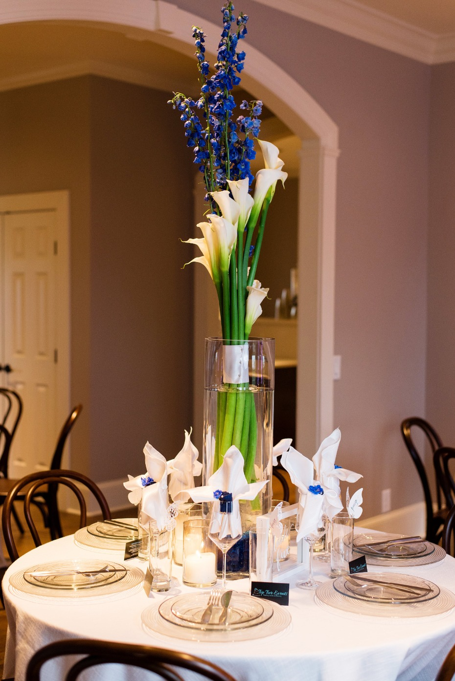 talk lily centerpiece idea