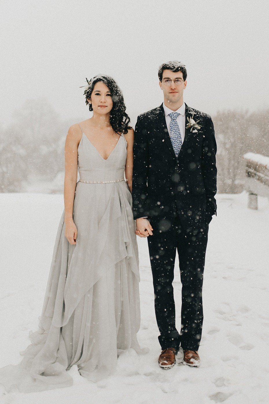 how to have an organic modern winter wedding