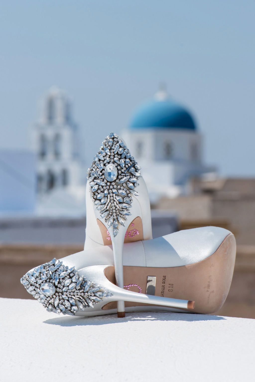 These bridal diamond shoes are to die for!