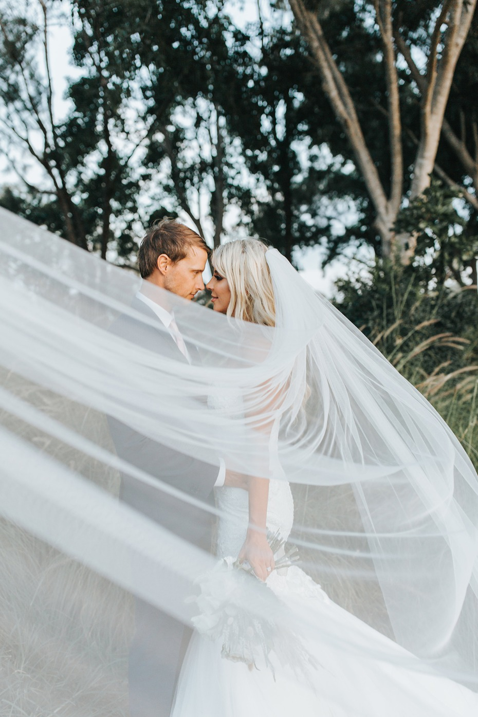dramatic wedding veil photo