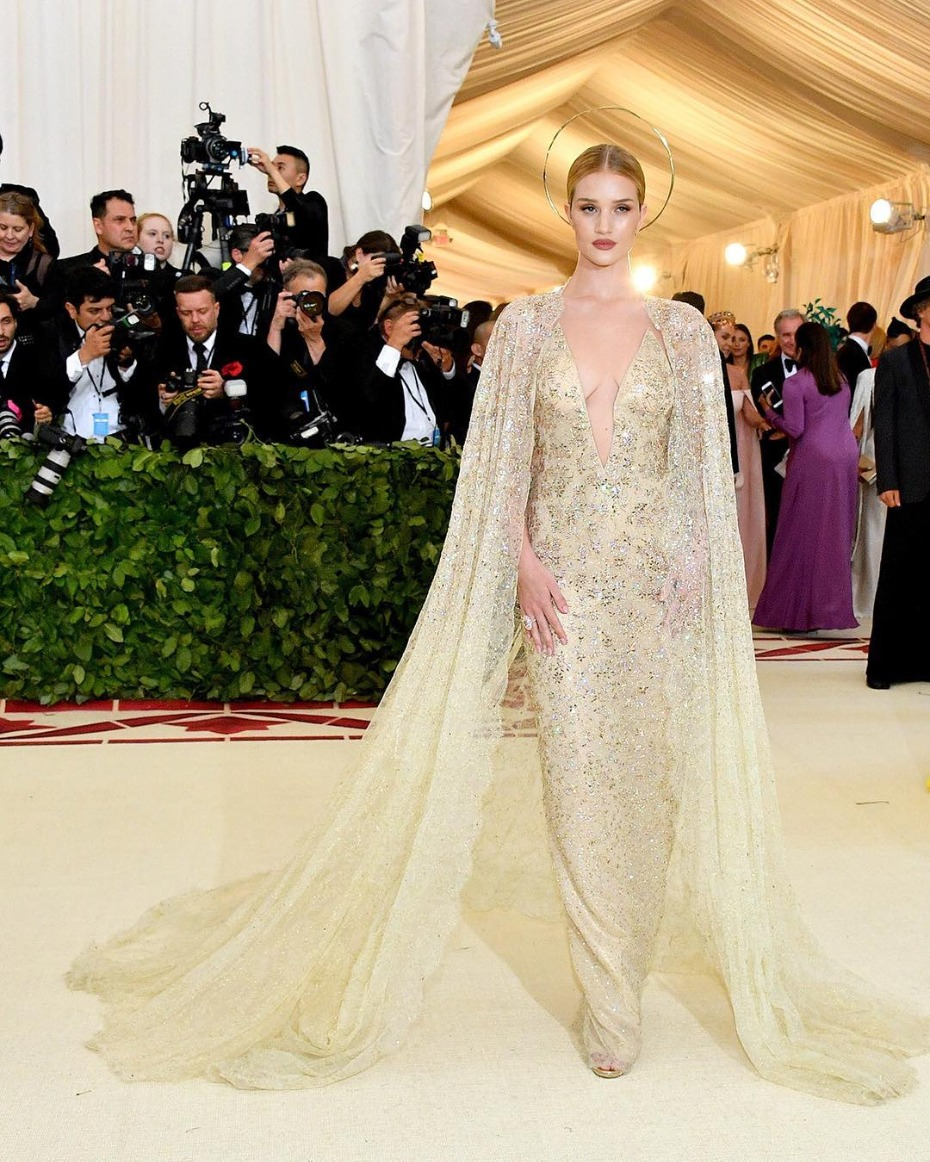 Met Gala Rosie Huntington-Whiteley in Ralph Lauren