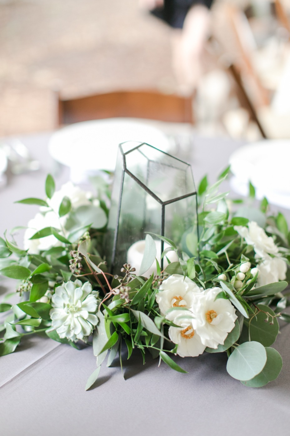 Geometric candle holder centerpiece