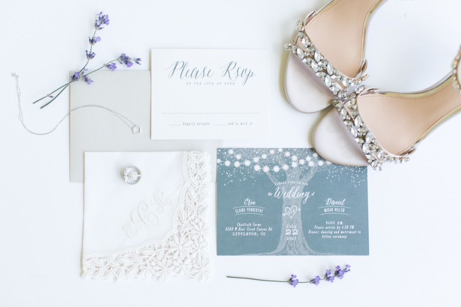 White and blue invitation suite