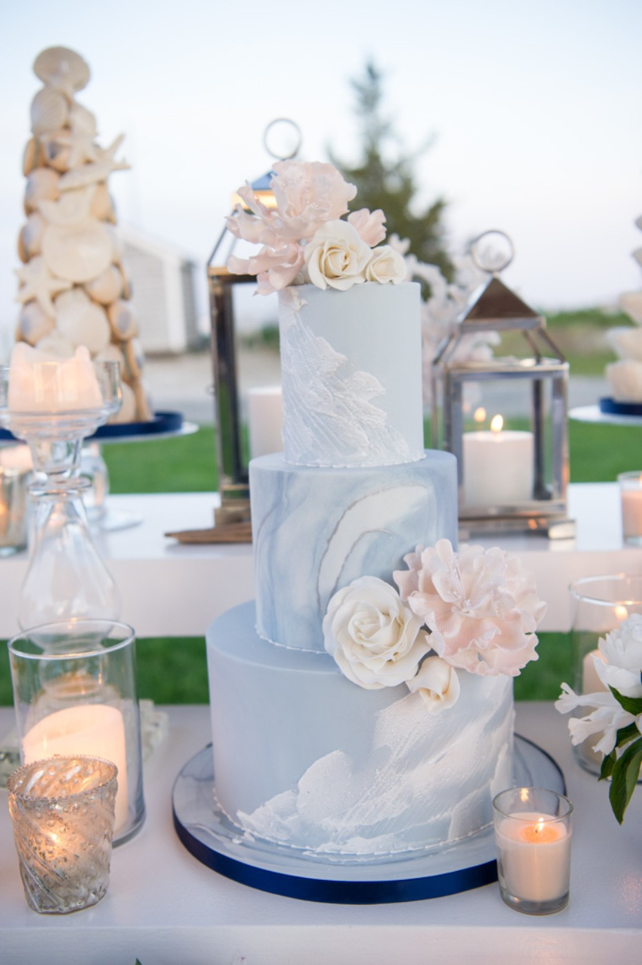 soft blue marbled wedding cake