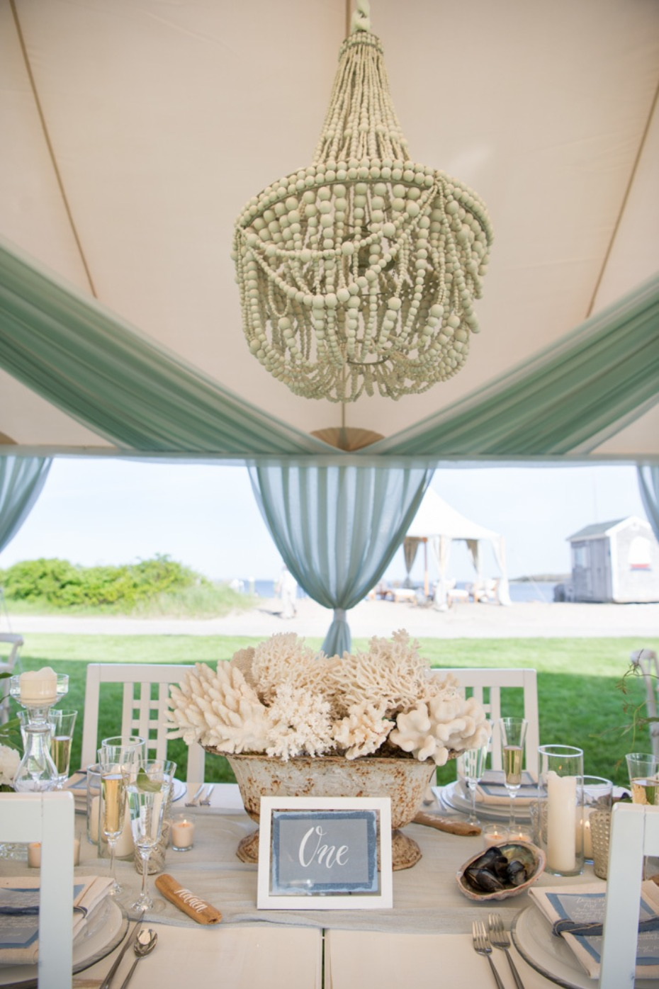 beach style wedding table decor