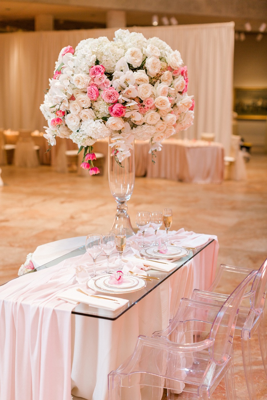 Grand sweetheart table in blush