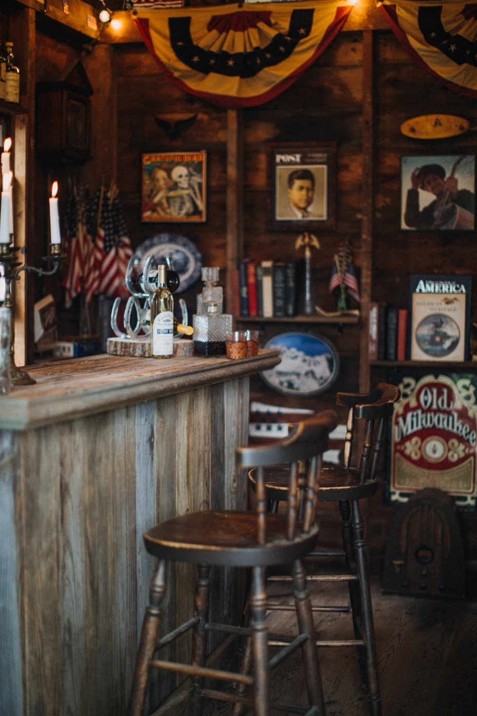 The Colonial vintage Americana bar