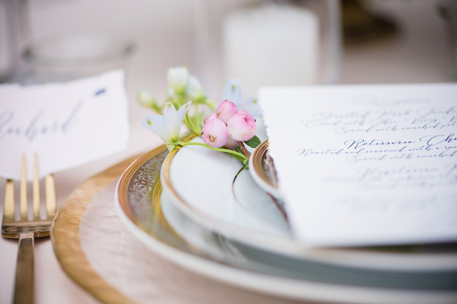 tiny flower place setting accent