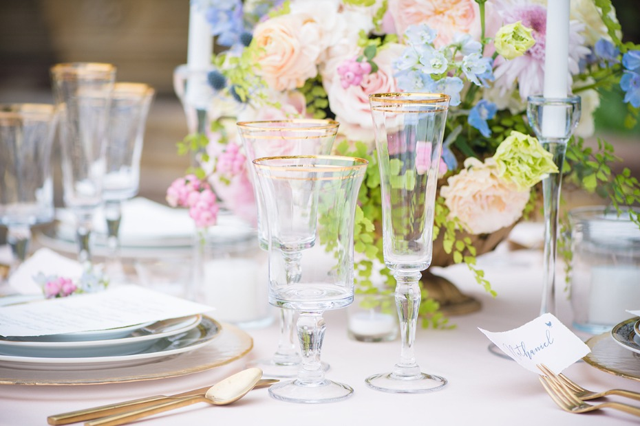 gold and pastel table decor