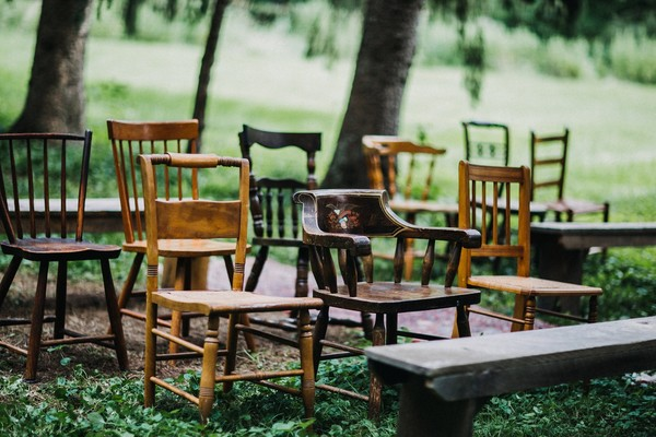 An Intimate Vintage Americana 10th Anniversary Vow Renewal
